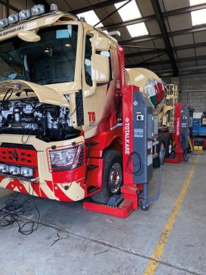 Perry's of Gobowen returns to Totalkare for mobile column lifts