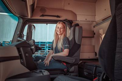 Spotlight on Female HGV Drivers – 